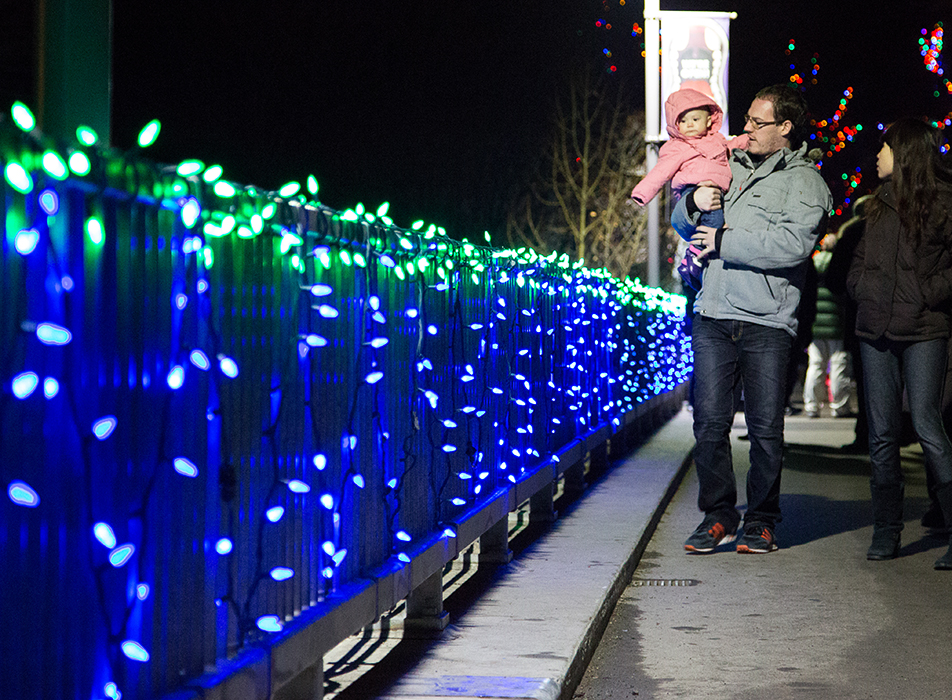 Christmas Lights Families flocked to see Zoolights start up at the Calgary Zoo, reopening after months of repair to flood damaged buildings in Calgary on Friday, Nov. 29, 2013. Over half a million lights are used in the display, which runs from Nov. 29 to Jan. 4. (Photo by Sarah Collins/The Press)