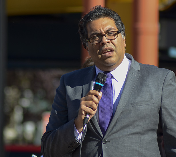 The Mayor Declares:  Mayor Nenshi proclaims Oct. 2 to be Sisters in Spirit Vigil Day in Calgary at the tenth annual Sisters in Spirit Walk. (Photo by Jenna Dulewich/The Press)